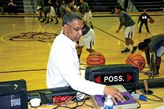 Caverna superintendent's got game