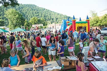 Pineville pulls in the community for back-to-school bash