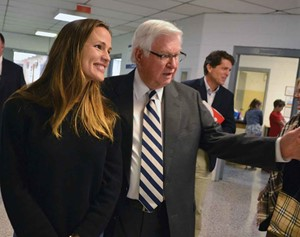 Actress Jennifer Garner and U.S. Rep Hal Rogers visit a school in Clay County. (Photo courtesy of U.S. Rep. Hal Rogers' office)